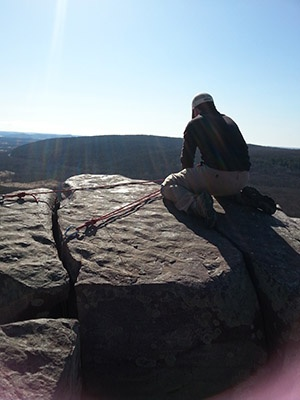 Setting_up_rope_on_Brinton's_Buttress-sm.jpg