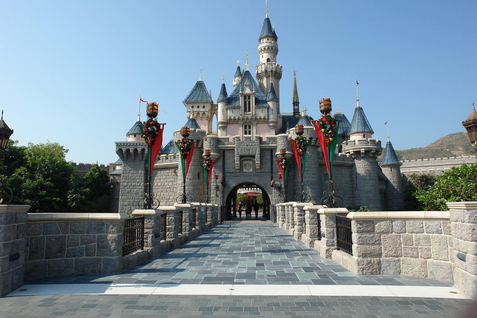 Pixabay-HongKong-Castle.jpg